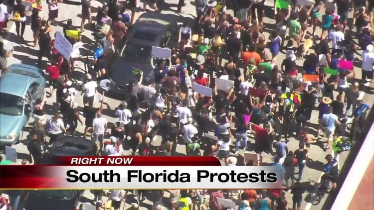Protesters take Fort Lauderdale streets20160709233836_7280724_ver1.0_1280_720